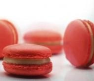 Aardbeien Macarons bezorgen in Amsterdam