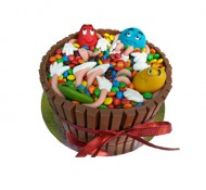 M&M 3D taart bezorgen in Oterdum