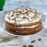 Pecan, maple & parsnip cake bezorgen in Loil