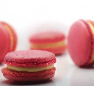 Strawberry Cheesecake Macarons bezorgen in Loil