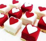 Valentijnpetitfours bezorgen in Rotterdam